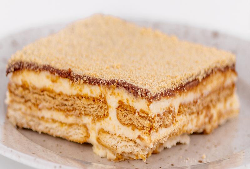 Домашна бисквитена торта Simple