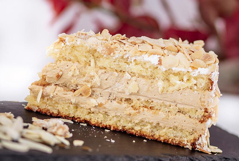 Бадемова торта от Marmalad World