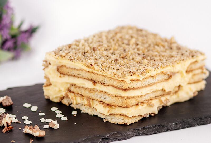 Бисквитена торта с крем Брюле от Marmalad World
